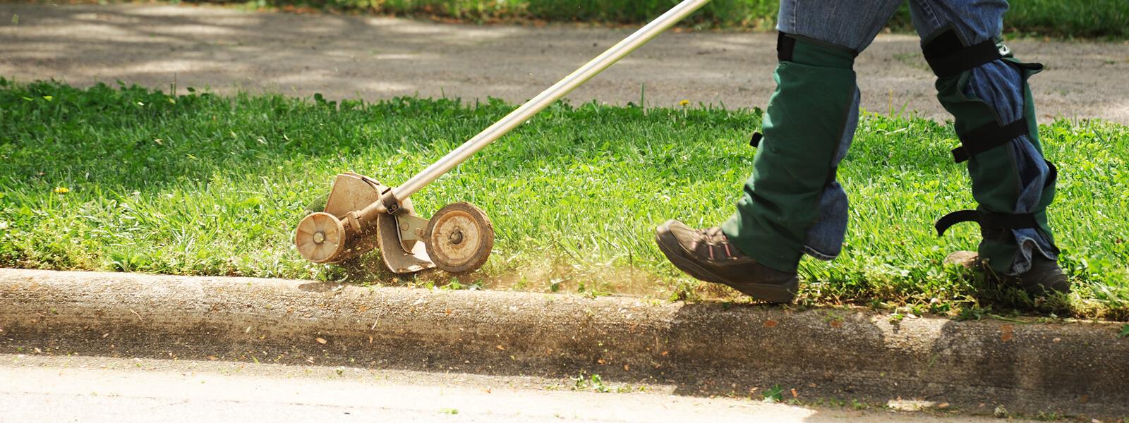 Lawn Edges & Edging a Lawn